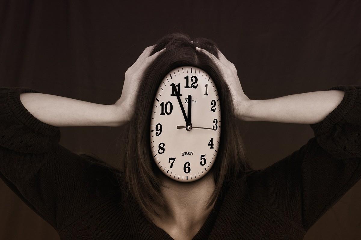 Illustrasjon for stress - hode/klokke